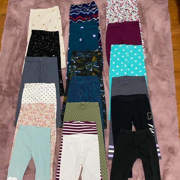 🔥 19 pairs of girl leggings, Size 4T